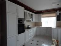 Кухня массив-белый