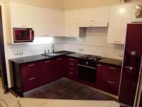 Кухня фасады пластик бордо блеск белый